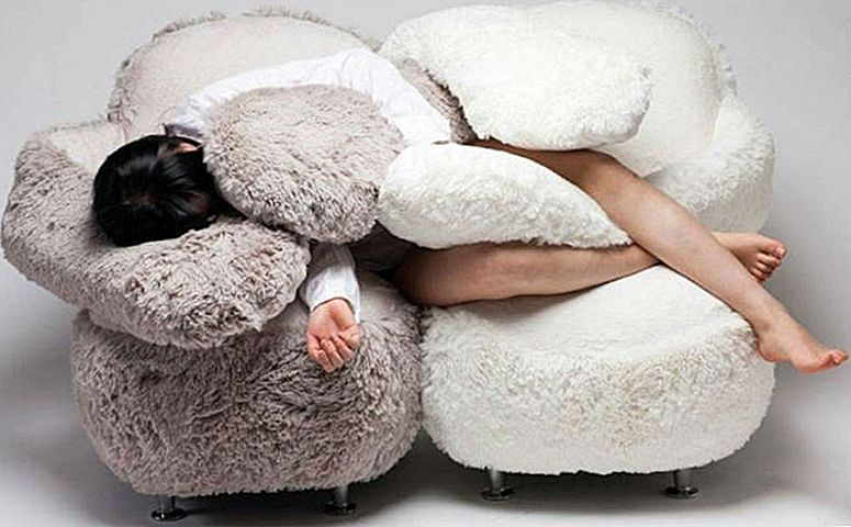 """""""Knuffelen"""" Couch Is The Ultimate Hack For Non-Dog Owners Craving Snuggles"""